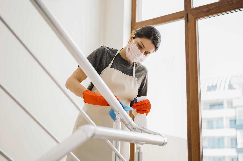 Você sabe como montar um plano de limpeza e desinfecção?